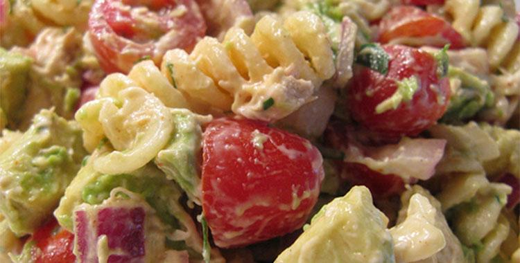 Pileca-salata-sa-testeninom-i-povrcem