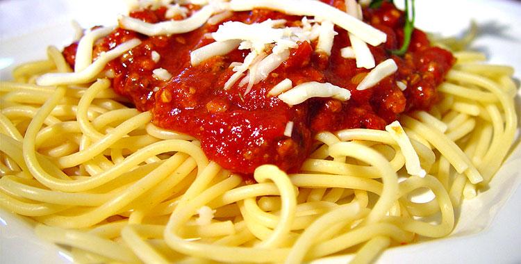 spageti-sa-paradajz-pireom
